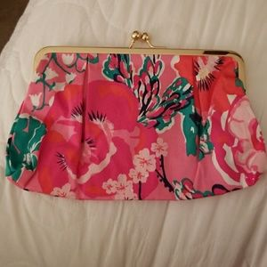 New Lilly Pulitzer Makeup Bag in Chameleon